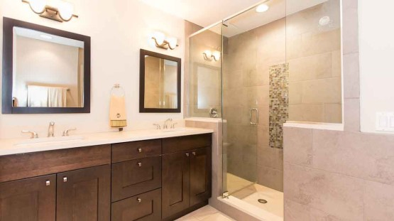 Photo of bathroom remodel in Ravenswood neighborhood of Chicago, Illinois